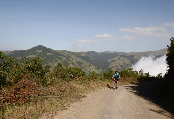 Mountainbiking hacia Alaspungo - cerca de Quito